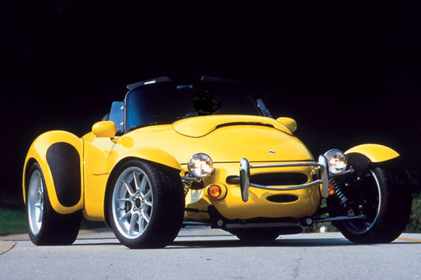 feature-1-pic-1-aiv-roadster